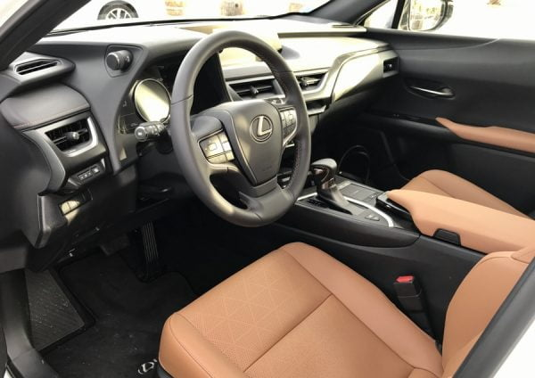 INTERIEUR VOITURE CUIR LUXE